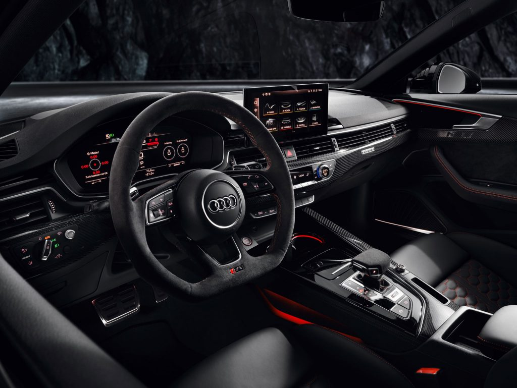 Audi RS 4 Avant Kombi Interior