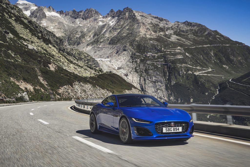 Jaguar F-Type Facelift fahrend